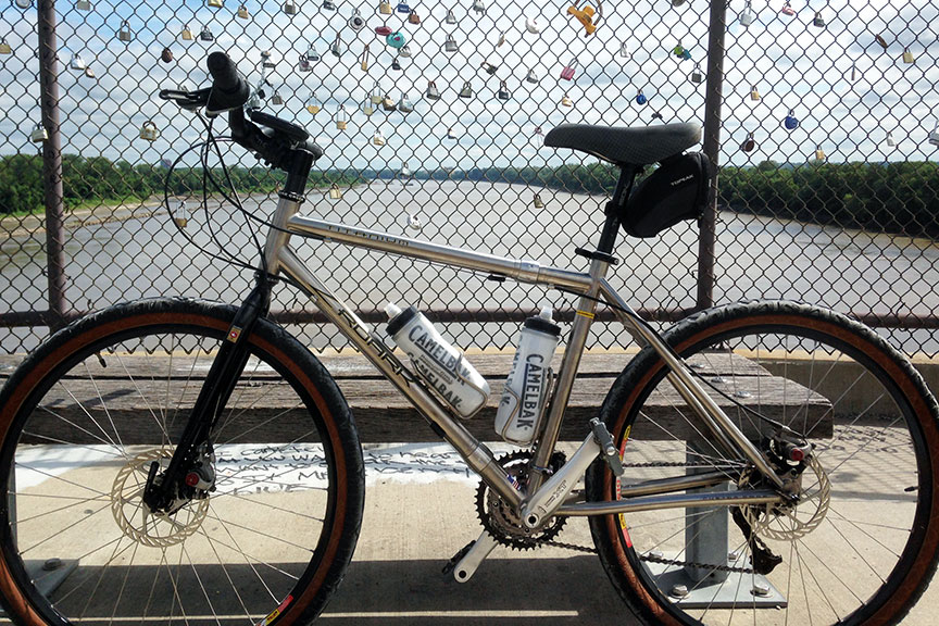 Roark commuter bike on bridge